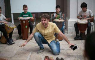 Ruvo di Puglia Vincenzo Cantatore Tamborey drum circle puglia macaranga experience day bosco natura percussioni tamburi murgia